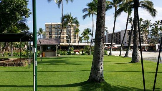 Courtyard by Marriott King Kamehameha's Kona Beach Hotel: CourtYard3