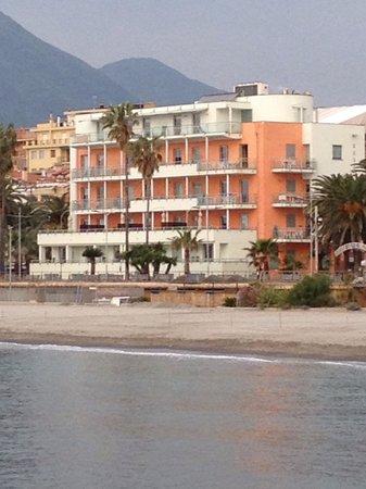 Residence Perelli: Vista dal molo