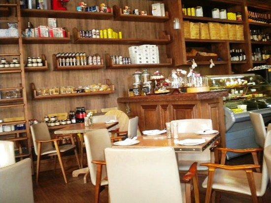The Alphen Boutique Hotel : Interior of La Belle Cafe