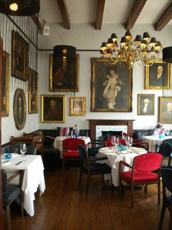 The Alphen Boutique Hotel: Elegant dining room at 5 Rooms Restaurant