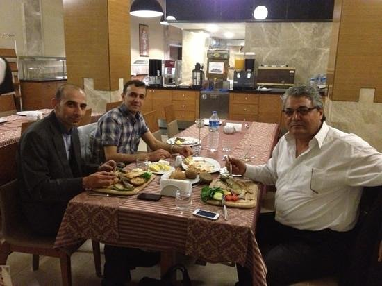 Otel Selcuk: Restaurant at the new part of the hotel...