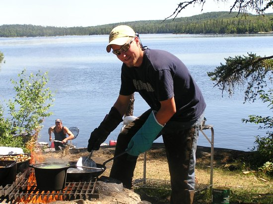 Loch Island Lodge: Our daily shore lunch over an open fire!
