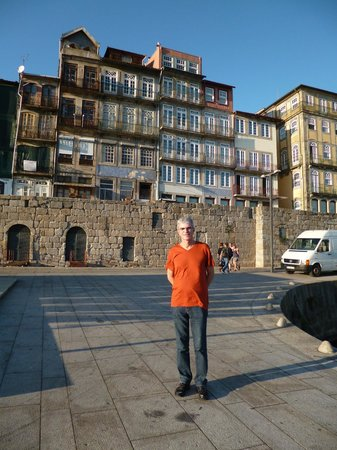 Zona Ribeirinha : Typical houses on the banks of Douro River in O Porto