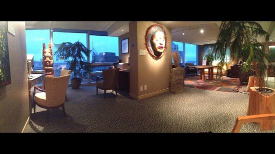 Embarc Vancouver: Member's Club Lounge on the 29Fl. It has a fantastic view and concierge service. Mar 2014