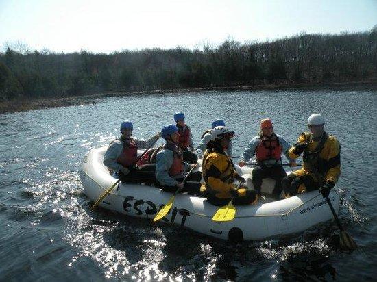 Quiet Bay Log Motel & Cafe: Whitewater rafting
