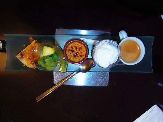 Le Kube Restaurant: café gourmand!