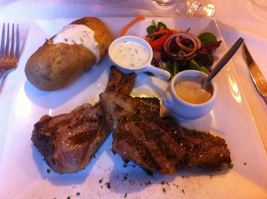 Le Madure : Main mean, baked potatoes with assorted pieces of meat