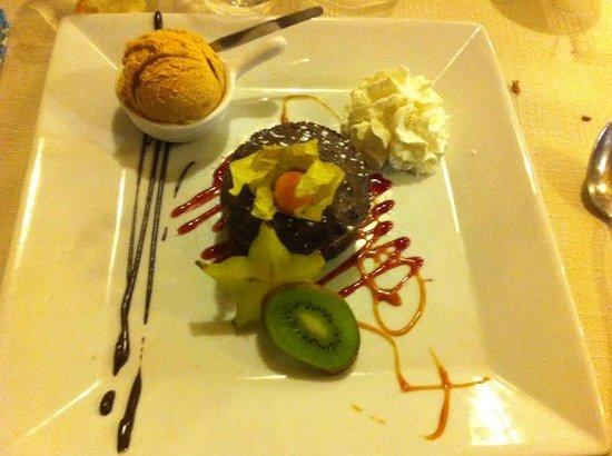 Le Madure : Dessert, chocolat mi-cuit