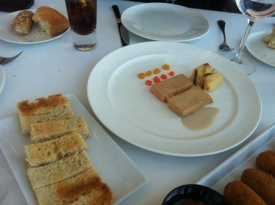 Espacio 33: Terrina de foie, castañas, cake y gelatina de maracuyá