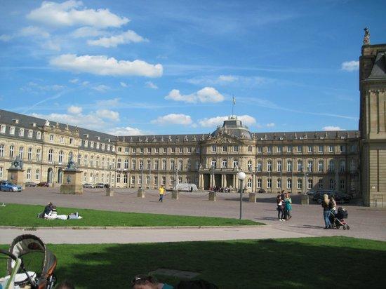 Palace Square (Schlossplatz) : Neues Schloß