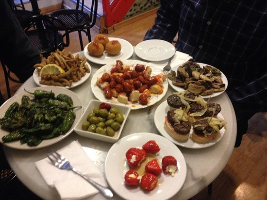 The Barcelona Taste: Tapas selection