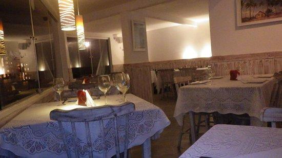 Evoke Bar e Comedoria: Salão Interno