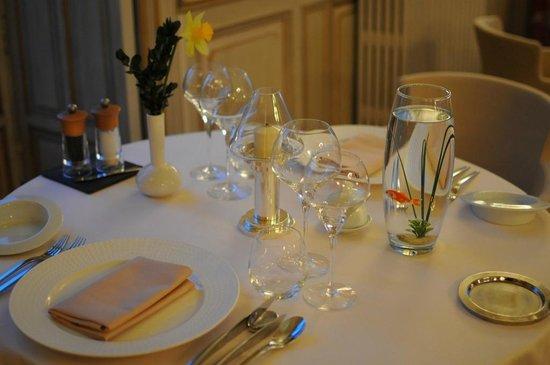 Château de Cîteaux La Cueillette : Table Restaurant