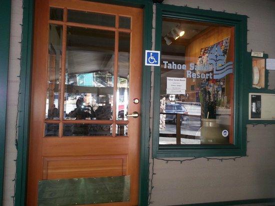 Tahoe Sands Resort : Lobby Entrance