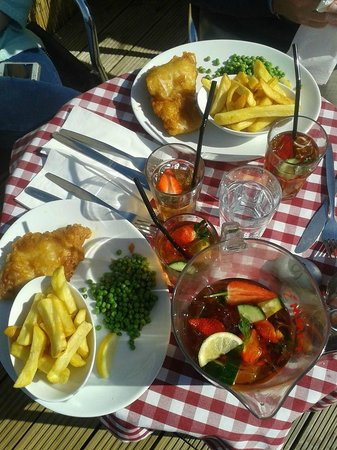Harbour Garden Cafe: cod and chips washed down with pimms