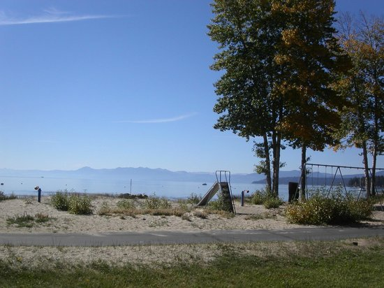 Tahoe Sands Resort: View From The Lawn