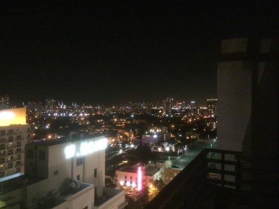 Loews Miami Beach Hotel: Вид на South beach и downtown