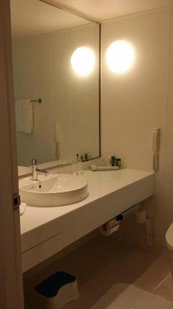 Hilton Tokyo Bay : Bathroom