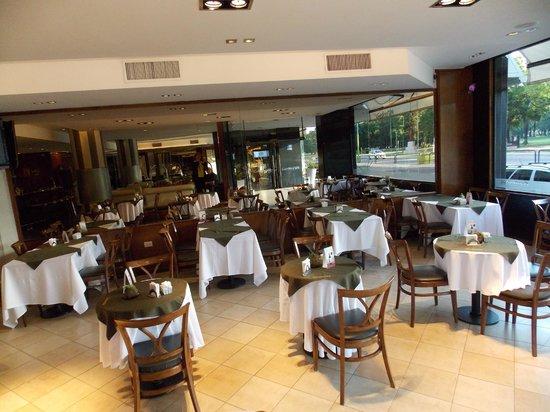 Garden Park Hotel: salón comedor