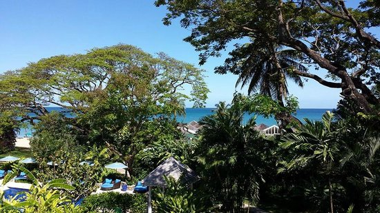 Rendezvous Resort: Garden Views and Beach Views from Room 308