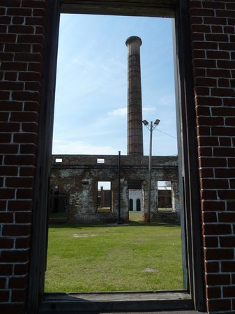Georgia State Railroad Museum : 126 ft Smoke stack