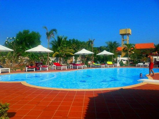 Paris Beach Village Phu Quoc : Pool