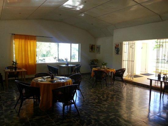 San San Tropez Villa-Hotel: dining room