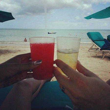 Rendezvous Resort: Beach view