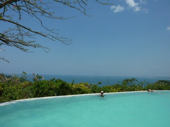 La Mariposa Hotel: beautiful view from the pool
