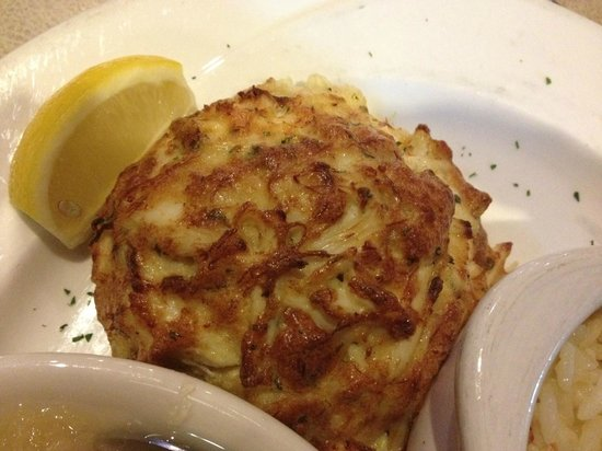 Pappas Restaurant and Sports Bar : Pappas Crab Cake. YUM!