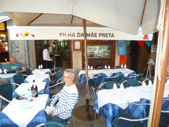 Filha da Mae Preta: Entance of Filha da Mãe Preta Restaurant in O Porto