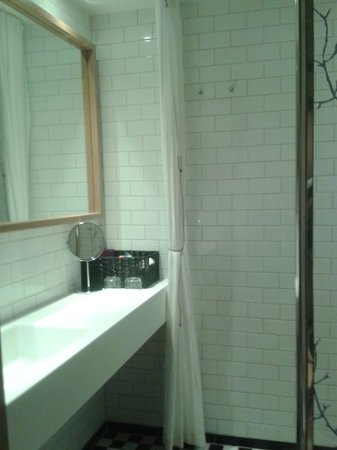 Mornington Hotel Stockholm City: Bathroom