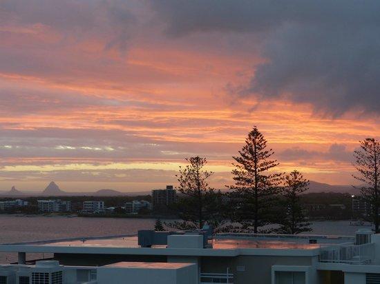 Belaire Place Motel Apartments : Sunset