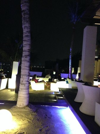 The Palace at One&Only Royal Mirage Dubai: Bar Eau Zone