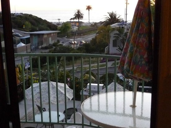 Moonlight Beach Motel : View out our patio door
