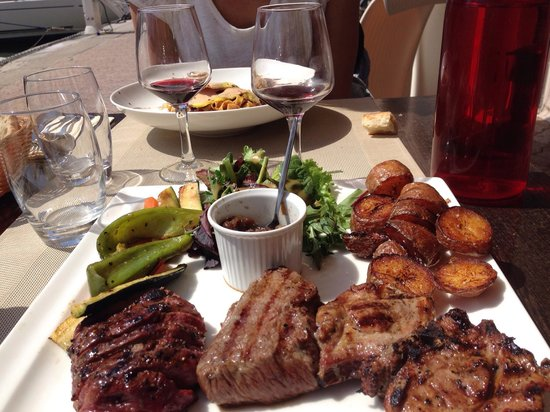 Ola Le Reve : Assiette du boucher (magret filet boeuf et cotelette agneau)