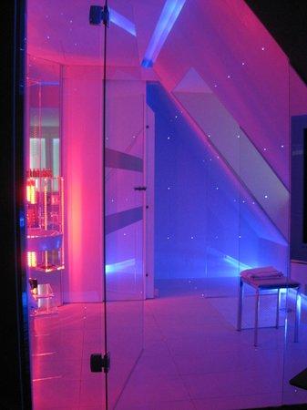 Seven Hotel Paris: salle de bains