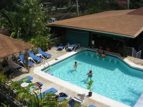 Seastar Inn: View of pool from top deck