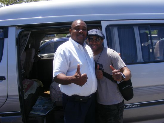 Gary's Jamaican Taxi & Tours: Gary is a reliable driver!
