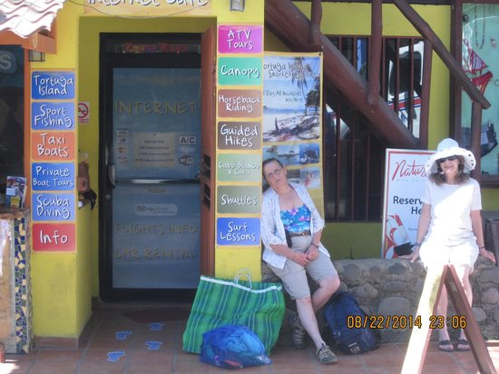 Zuma Tours: Waiting for me to sign up for diving