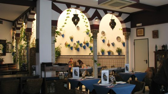 "Restaurante Taberna D""Ucles: Beautiful Dining Atmosphere"