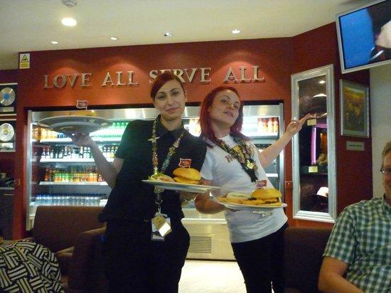 Hard Rock Cafe Malta: impression of the service, airport malta