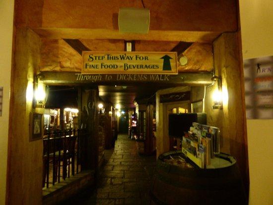 Great Expectations Hotel & Bar: Unusual  bar area