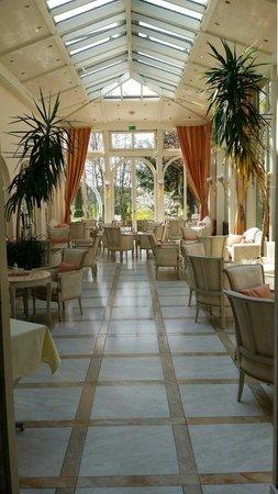 Hotel Tanneck: Stimmungsvoller Wintergarten - lädt zum Verweilen ein