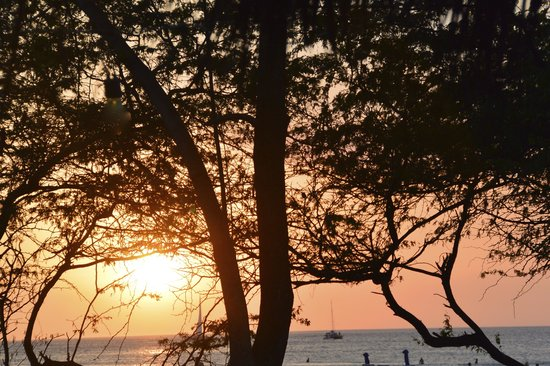 Get Lost In Costa Rica: Sunset on the beach