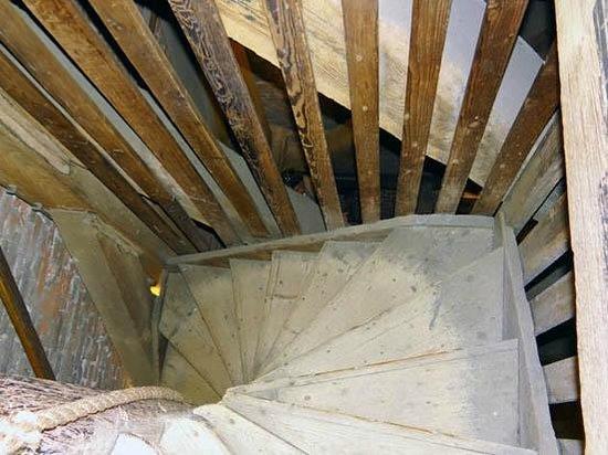 South Church (Zuiderkerk): the narrow stairs