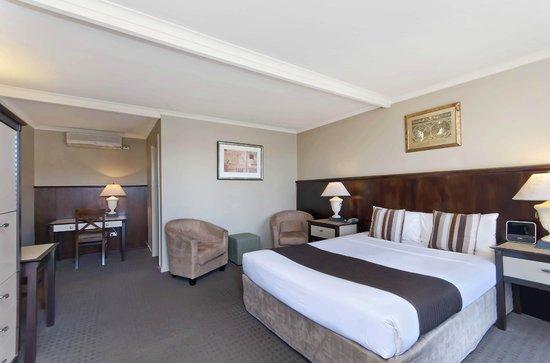 Comfort Inn On Raglan : Standard Queen Room