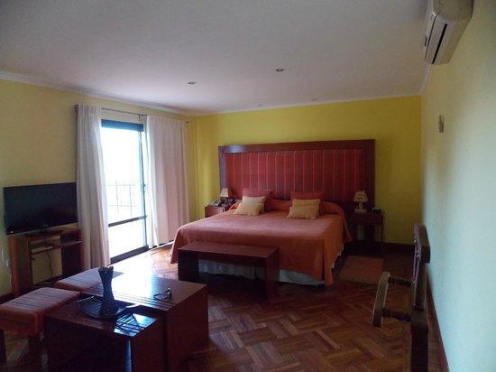 Hotel Los Sauces : habitacion