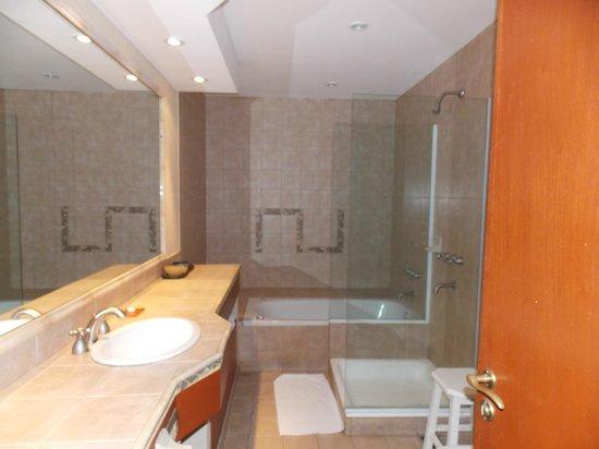 Hotel Los Sauces : baño