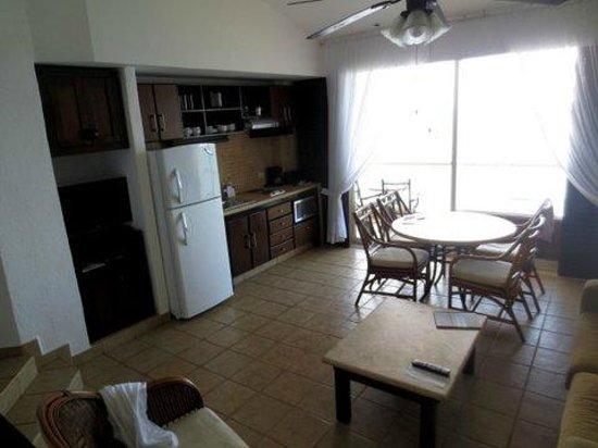 Bel Air Collection Resort & Spa Vallarta : Kitchen/dining area